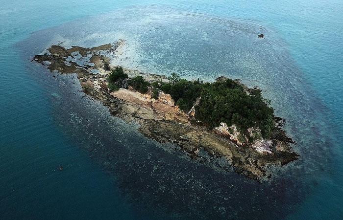 singapore southern islands pulau jong scuba dive divers diving dives